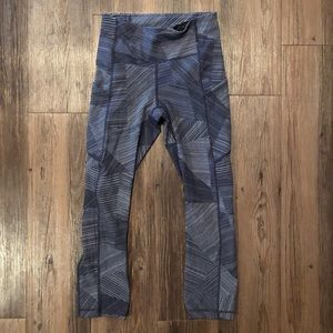 "Lululemon 21"" Speed Up Crop size 2"